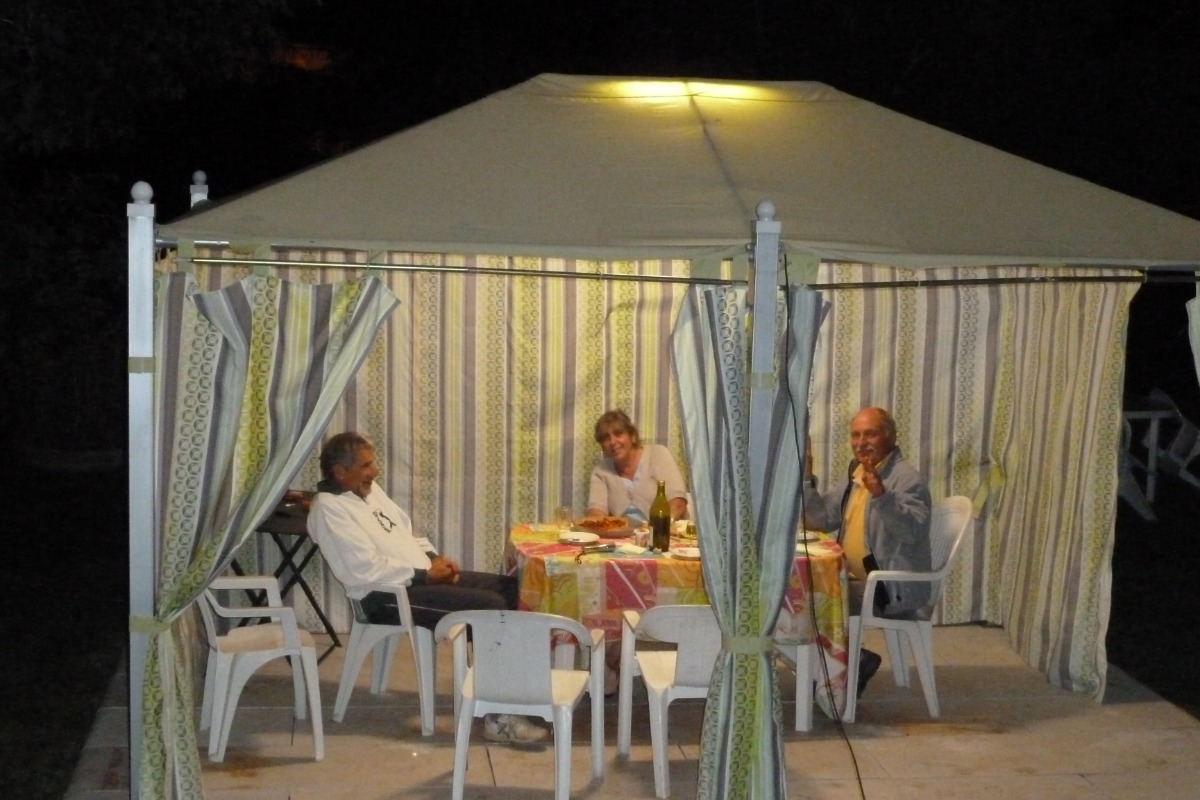 Coté cuisine - Location de vacances - Chézery-Forens