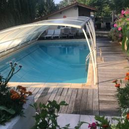 La piscine commune aux deux gîtes. - Location de vacances - Villette-sur-Ain