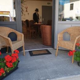 Entrée réception Les Tavaillons - Location de vacances - Mijoux