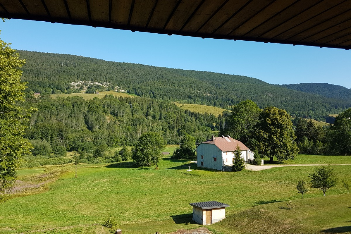 Crêt de la Neige - L'Olivine - Vue hivernale depuis le balcon - Location de vacances - Lélex