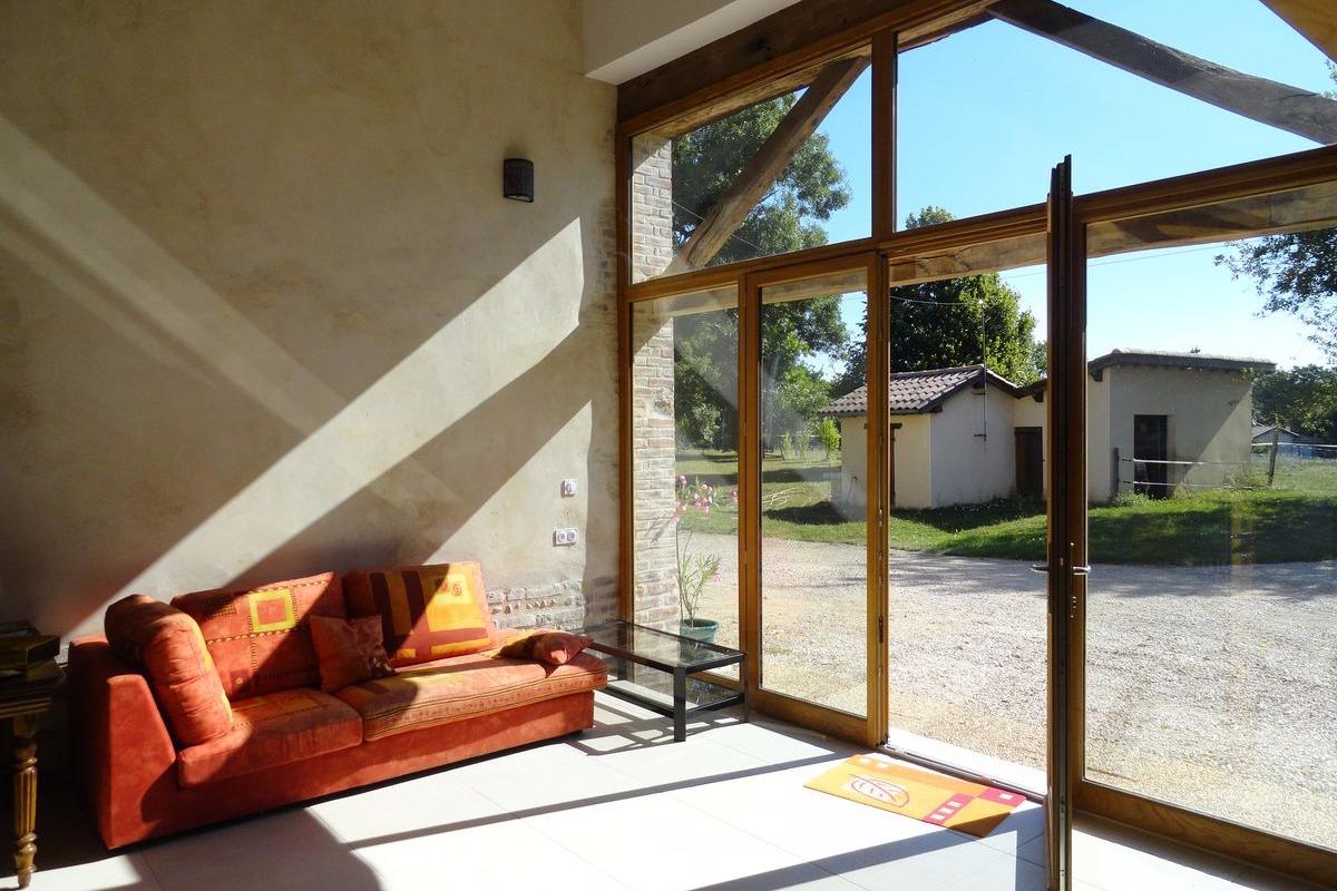 Ferme Passion - Chambre Dombes - Grand Séjour/salon - Chambre d'hôtes - Saint-Trivier-sur-Moignans
