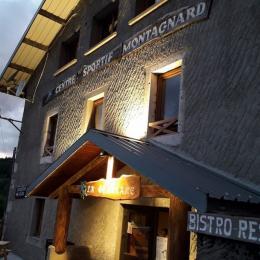 La Gentiane - Bar la nuit - Location de vacances - Chézery-Forens