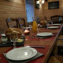 Gite La Gentiane - appart Les Frasses 6-8 Pers - Location de vacances - Chézery-Forens