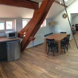 Vue panoramique, cuisine, salle à manger, salon - Location de vacances - Lélex