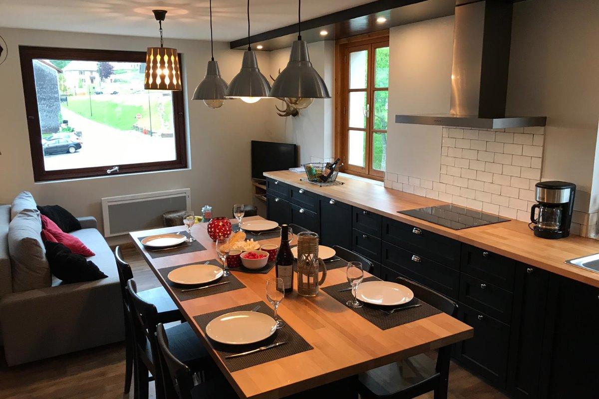Salle à manger / cuisine - Location de vacances - Lélex