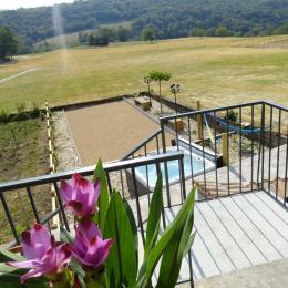 Les Violettes du Bugey - Vue de la terrasse sur SPA et montagne du Bugey - Location de vacances - Marchamp