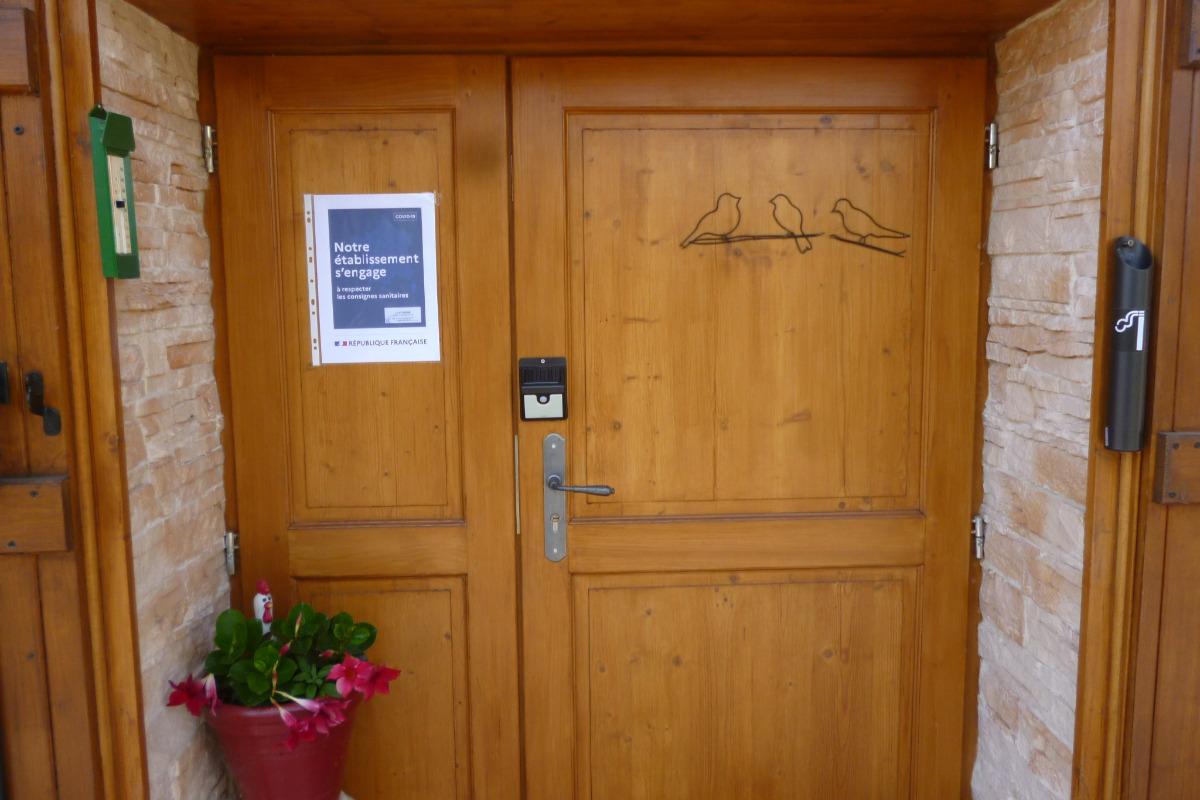 PROTOCOLE SANITAIRE AFFIRME DANS CHAQUE CHAMBRE+ SEJOUR - Chambre d'hôtes - Crottet