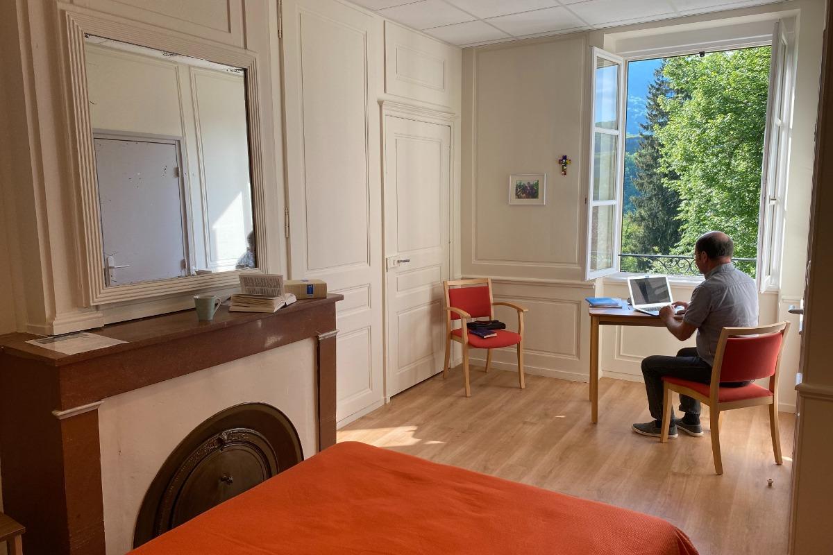 Chambre Double avec BZ - Chambre d'hôtes - Saint-Rambert-en-Bugey