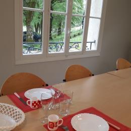 Salle Petit déjeuner et repas  - Chambre d'hôtes - Saint-Rambert-en-Bugey