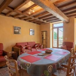 Le salon-séjour - Location de vacances - Bucey-en-Othe