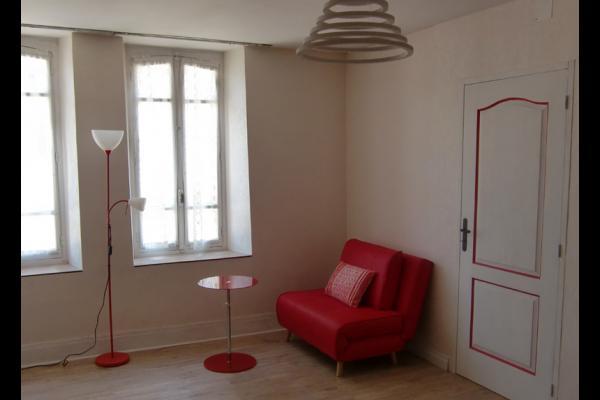 chambre convertible 1 p - Location de vacances - Ferreux-Quincey