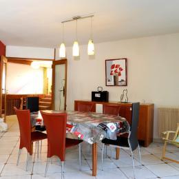 salle à manger à votre disposition - Chambre d'hôtes - Pont-Sainte-Marie
