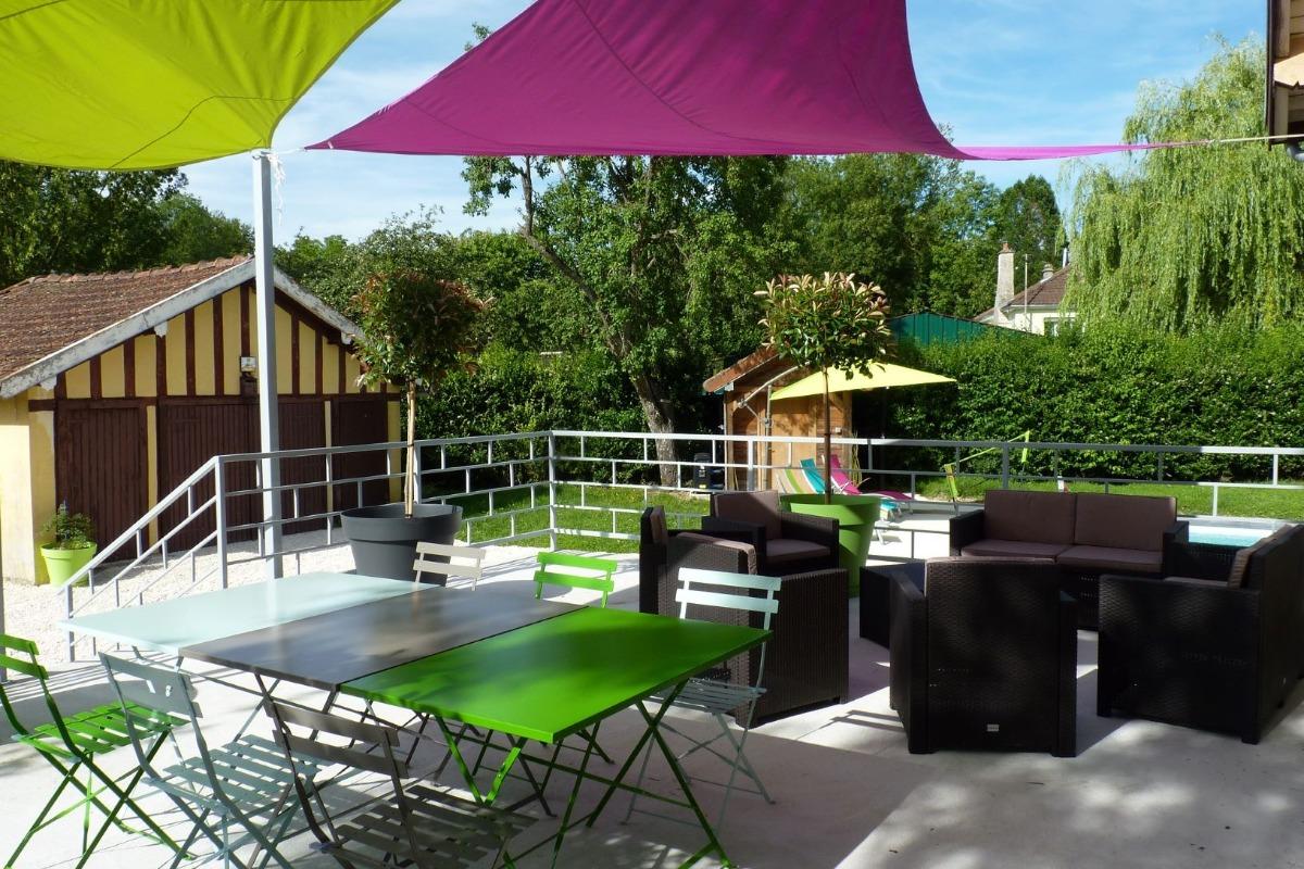 terrasse attenante a la maison - Location de vacances - Bar-sur-Aube