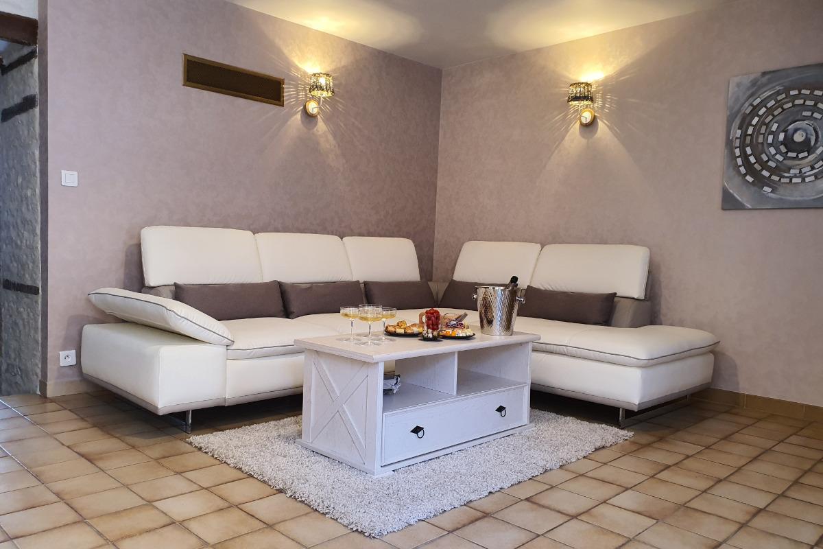 Salon, canapé d'angle - Location de vacances - Bar-sur-Aube
