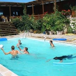 la piscine à partager - Location de vacances - Essoyes