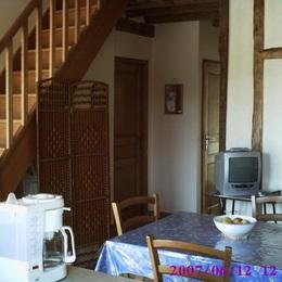 Pièce principale, accès salle de bain et wc indépendant - Location de vacances - Saint-Remy-sous-Barbuise