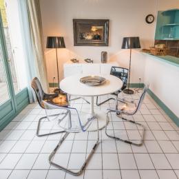 Chambre avec lit double 160 (draps fournis) - Location de vacances - Mesnil-Saint-Père
