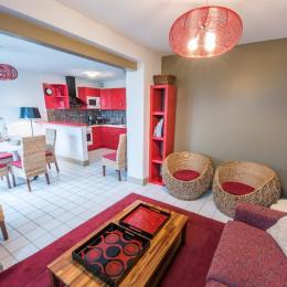 Chambre avec un lit double 160 (draps fournis). - Location de vacances - Mesnil-Saint-Père