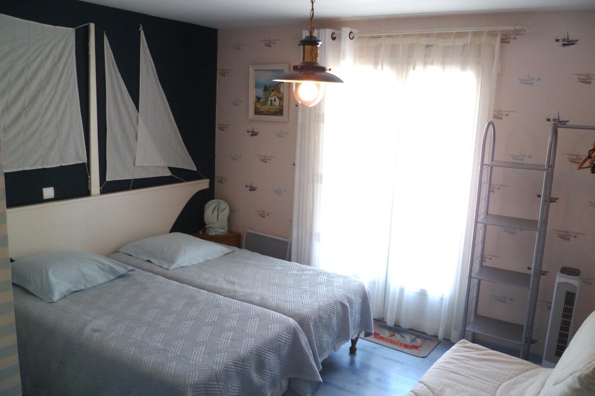 Chambre Marine Villamoustaussou - Chambre d'hôte - Villemoustaussou