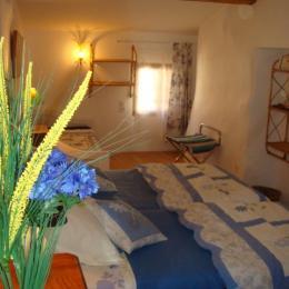 chambre bleuets - Chambre d'hôte - Cubières-sur-Cinoble
