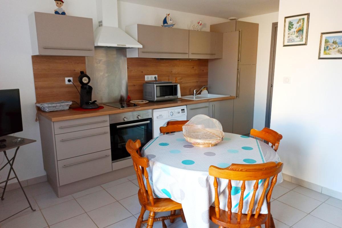 Cuisine toute équipée refaite à neuf - Location de vacances - Narbonne Plage