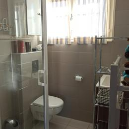 Salle de bain avec WC refaite à neuf  - Location de vacances - Narbonne Plage