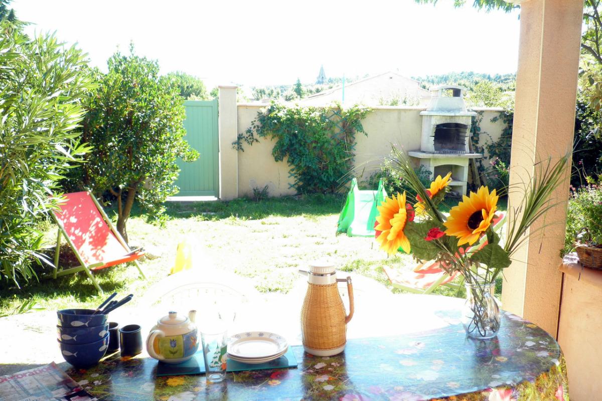 salon et salle à manger climatiseur été et hiver equipement complet - Location de vacances - Villegailhenc