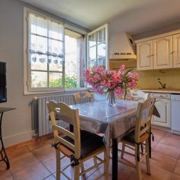 chambre lit 140 - Location de vacances - Carcassonne