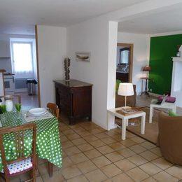 la cuisine ouverte sur le séjour - Location de vacances - Ferran