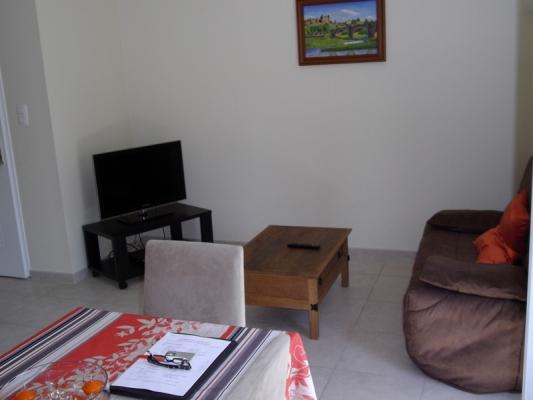 séjour sympa, BZ en 140, TV écran plat, Wi-fi gratuit - Location de vacances - Carcassonne