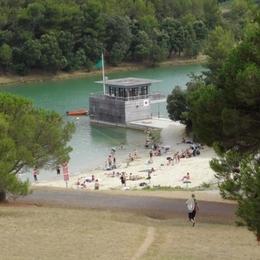 Le lac aménagé de la cavayère à 800 M, baignade, mini golf, balade, acro-branches, location pédalo,etc;;;  - Location de vacances - Carcassonne