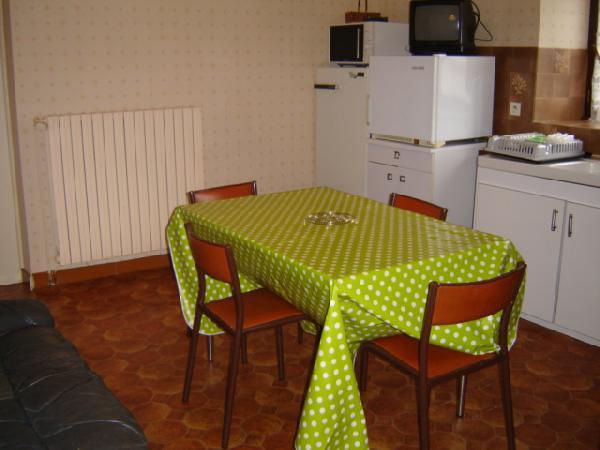 Cuisine/séjour/salon - Location de vacances - Rullac-Saint-Cirq