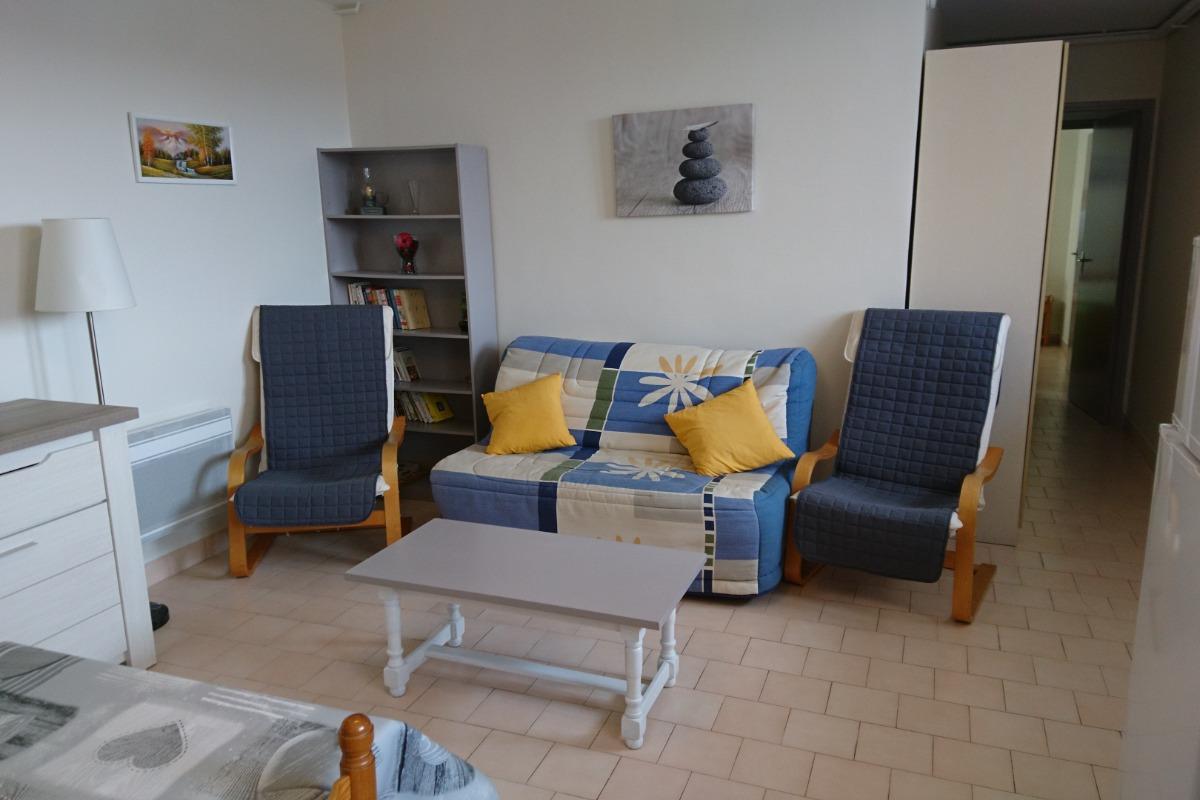 Guy PERSEC: gite Espalion (côté salon) - Location de vacances - Espalion