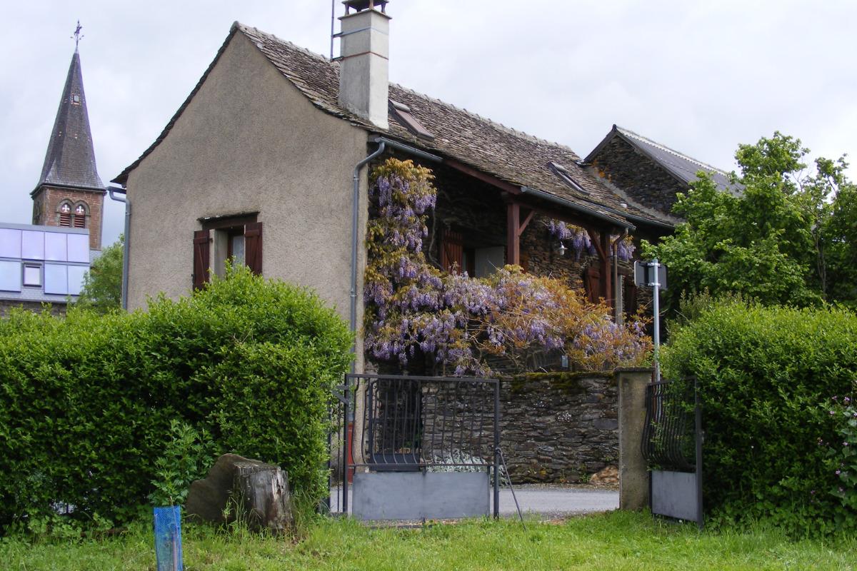 La Fenial vue depuis la placette - Location de vacances - Sainte-Juliette-sur-Viaur