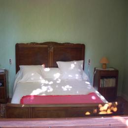 Chambre verte coté ouest - Location de vacances - Millau
