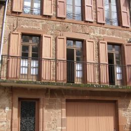 chambre 2 1er étage - Location de vacances - Villecomtal