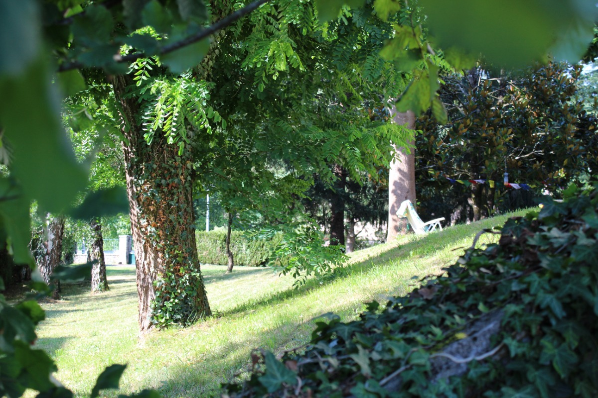 Gite Espalion Mme Devos (Grand terrain ombragé) - Location de vacances - Espalion