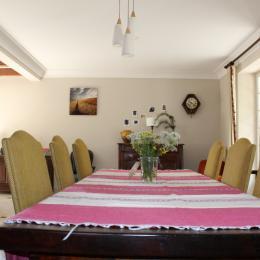 Gite Espalion Mme Devos (Grande salle à manger) - Location de vacances - Espalion