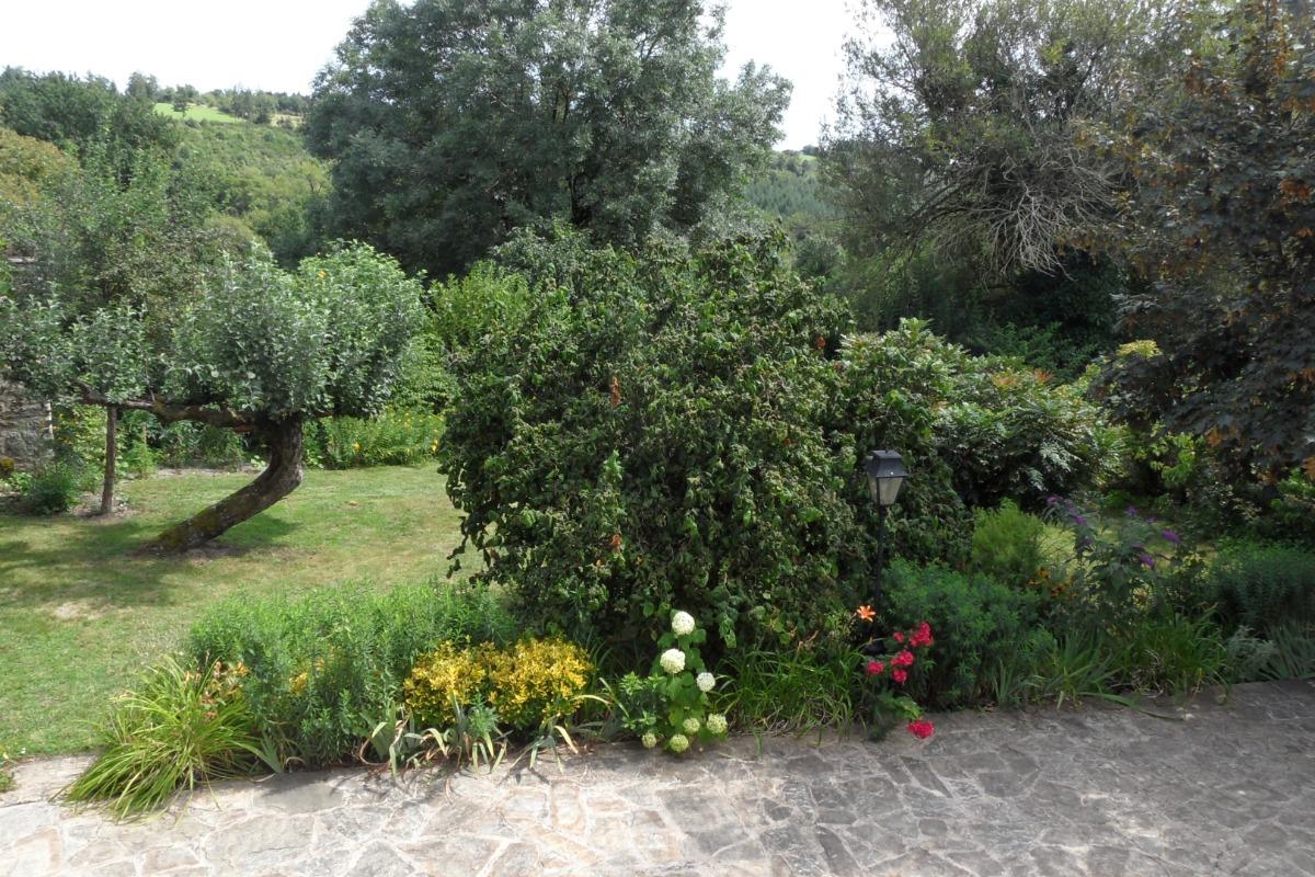 Les Cayroux Blancs: gite Bas Ségala - Location de vacances - La Bastide-l'Évêque