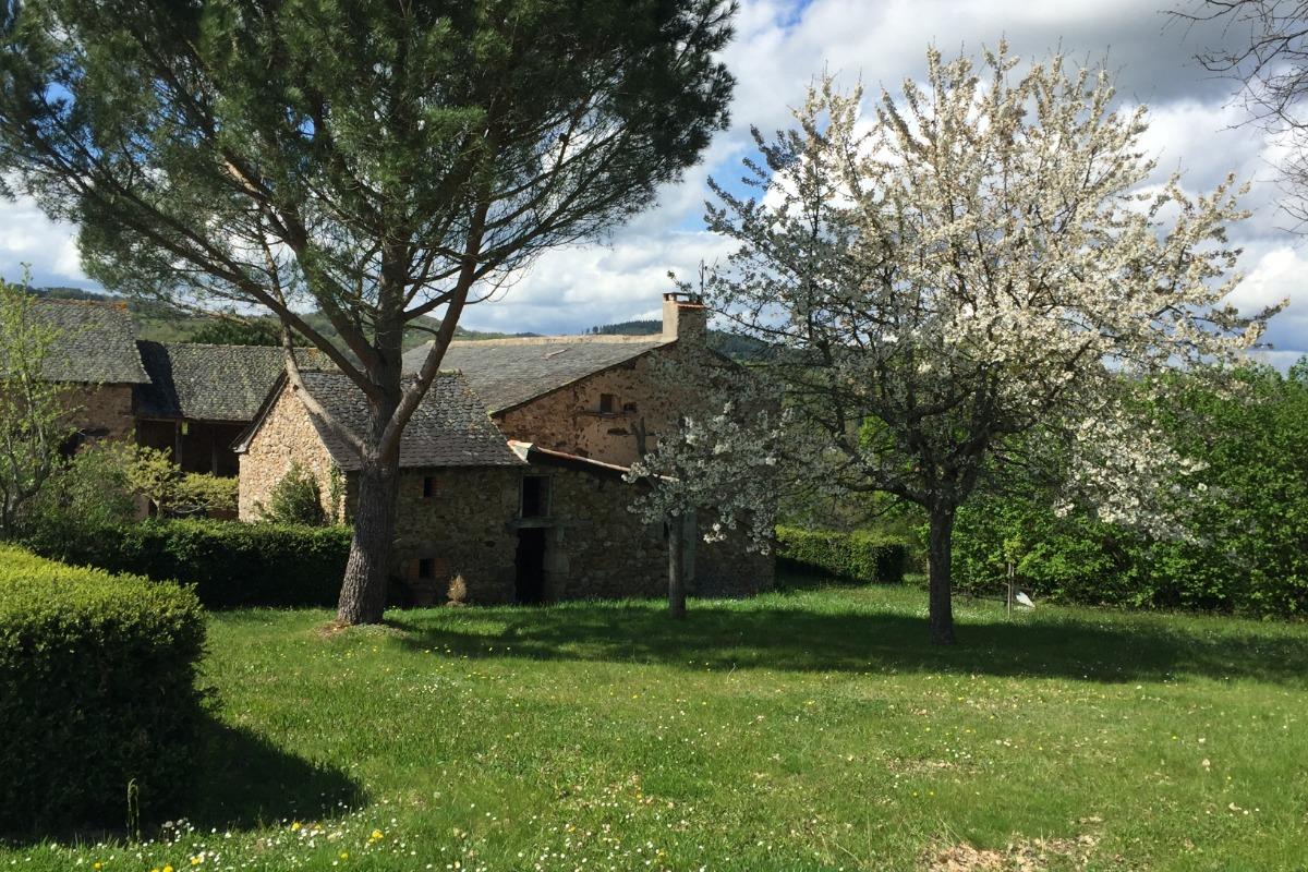 G te avec piscine priv e dans b tisse traditionnelle du rouergue grand calme location vacances - Gite dans les landes avec piscine ...