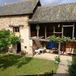 entrée sur terrasse exposée au Sud  - Location de vacances - Saint-André-de-Najac