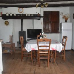 pièce principale étage  - Location de vacances - Saint-André-de-Najac