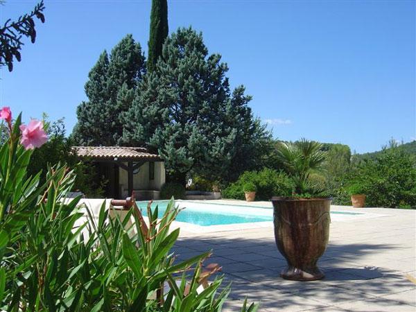 Le Mazet maison provençale indépendante 70 m2 , la Destrousse,   - Location de vacances - La Destrousse