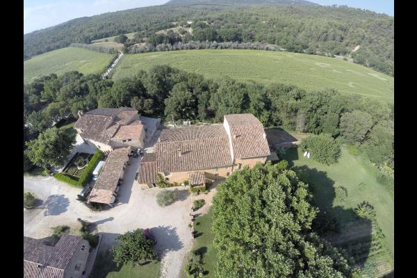 Vue aérienne du domaine Saint Bacchi Jouques - Location de vacances - Jouques