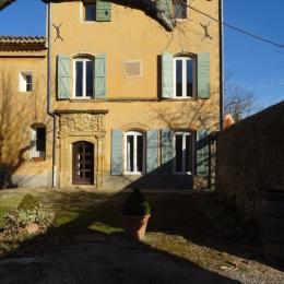 jardin entrée des locations - Location de vacances - Jouques