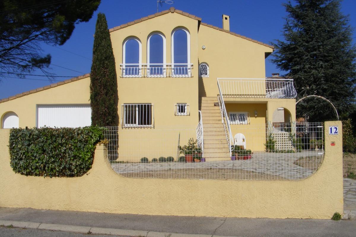 La maison, appartement 1 er étage avec la véranda - Location de vacances - Pélissanne