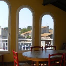 Salle à manger 2 - Location de vacances - Pélissanne