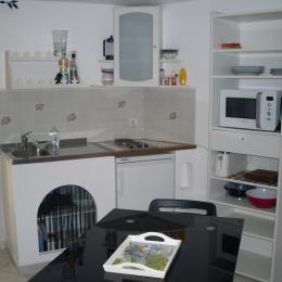 Coin cuisine - Location de vacances - Saint-Mitre-les-Remparts