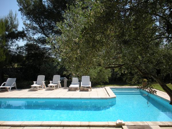 La piscine commune - Location de vacances - Eygalières
