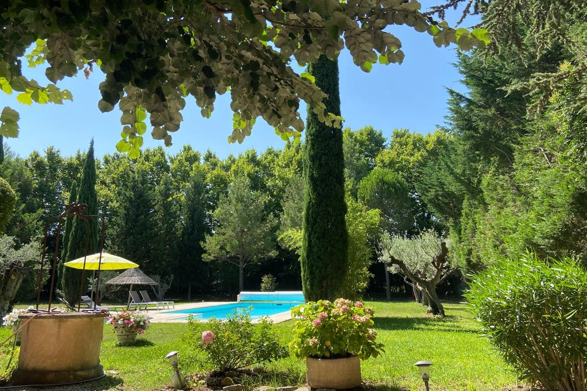 Studio indépendant, piscine- Mas de l'Ecureuil, chatâurenard - Location de vacances - Châteaurenard